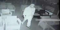 Kafeden televizyon çalan hırsız güvenlik kamerasına takıldı