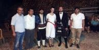 Macar geline yöresel kıyafetlerle düğün