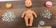 Oyuncak bebeğin içine bakan polis şaşkına döndü