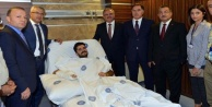Vali, silahlı saldırıda yaralanan savcıyı ziyaret etti