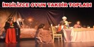 AHEP#039;in tiyatrocuları ayakta alkışlandı