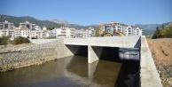 Yücel#039;in bölgeyi rahatlatacak köprüsü tamamlandı
