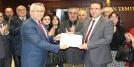CHP İl Başkanı Kumbul mazbatasını aldı