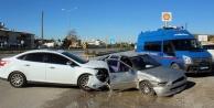 D-400#039;de trafik kazası: 1 yaralı var