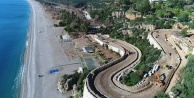 Dünyaca ünlü plaj yeni yüzüyle yaz ayına yetiştirilmeye çalışılıyor