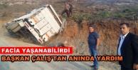 Alanya'da feci kaza! Tomruk yüklü kamyon devrildi