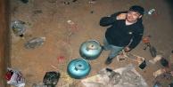 Tüpgaz bağımlısı bu defa 7 tüp çektiği su deposunda mahsur kaldı