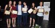Alanya#039;da tiyatrocular ödüllendirildi