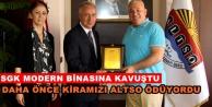 SGK Müdürü#039;nden Başkan Şahin#039;e teşekkür plaketi