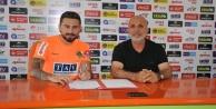 Alanyaspor#039;a 2 yıllık imzayı attı