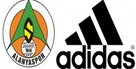 Alanyaspor Adidas#039;la anlaştı