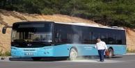 Halk otobüsünün tekerleğinde yangın çıktı