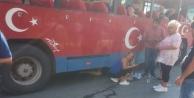 Safari otobüsünün altında kalan kadın ölümden döndü