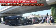 Turist transfer aracı kazası: 1'i Alman uyruklu 4 yaralı