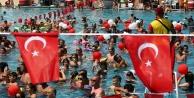 3 bin tatilciden 30 Ağustosta rekor denemesi