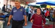 Dua bahanesiyle üç bileziği çalınan yaşlı kadın gözyaşlarına boğuldu