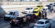 7 aracın karıştığı zincirleme kazada 2 kişi yaralandı