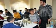 AK Gençlik#039;in turnuvasına yoğun ilgi