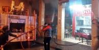Korkutan yangın: 2 iş yeri zarar gördü