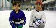 Minikler buz hokeyi şampiyonu Antalya
