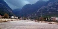 Sağanak kabusu!: 2 doktor dağda mahsur kaldı