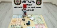Zehir taciri tutuklanarak Alanya#039;ya gönderildi