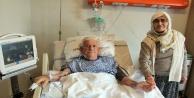 90 yaşında by-pass olan hastanın ilk sözü : quot;İlk iş eşimi alnından öpeceğimquot;