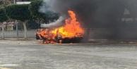 Alanya#039;da araç alev topuna döndü