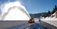 Dikkat! Konya yolunda karla mücadele devam ediyor