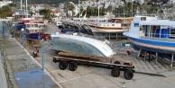 Fırtına karadaki tekneleri de devirdi