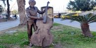 Zarar gören heykeller onarıldı