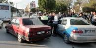 5 aracın karıştığı zincirleme kazada 1 yaya yaralandı!