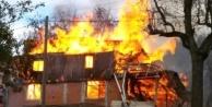 Alanya#039;da elektrikli soba evde yangın çıkardı