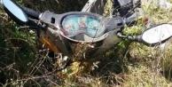 Alanya#039;da motosiklet dereye uçtu: 2 yaralı var