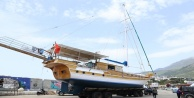 Tekneler sezon için deniz inmeye başladı