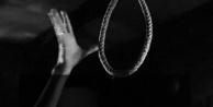 Alanya#039;da yaşlı kadın kendini ağaca aşarak intihar etti