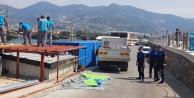 Alanya İskelesi#039;nde kaçak yapılar yıkıldı