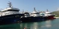 Gazipaşa'da fırtınadan kaçan 100 orkinos gemisi limanlara sığındı