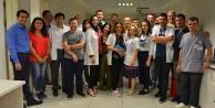 Hastane çalışanları bayramlaştı