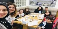 Şehit Ömer Halis Demir öğrencileri iftarda buluştu
