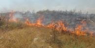 Cezaevi inşaatı yakınında 3 buçuk dönüm arazi yandı