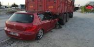 Alanyalı uyuyan şoför, kamyonun altına girdi