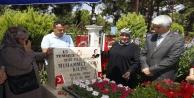15 Temmuz şehidin mezarında duygusal anlar