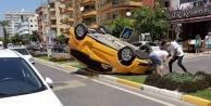 Alanya#039;da ticari taksi takla attı