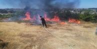 Manavgat#039;ta kaymakamlık konutu önünde yangın