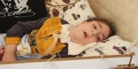 3 makineye bağlı hasta çocuğa Çin işkencesi