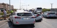 Altı aracın karıştığı zincirleme kazada 1 kişi yaralandı