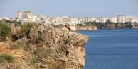 Antalya#039;da 40 metrelik falezlerden ölümüne atlayışlar