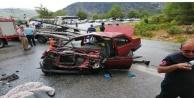 Yolcu otobüsü ile otomobil çarpıştı: 1#039;i ağır 5 yaralı var