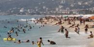 Alanya#039;da plajlar tıklım tıklım